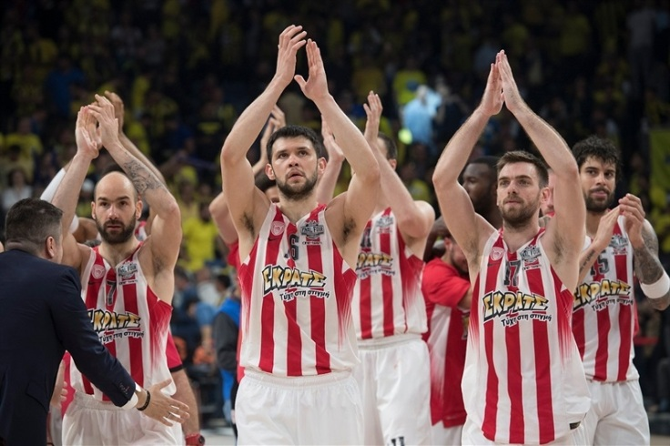 olympiacos-piraeus-celebrates-final-four-istanbul-2017-eb16